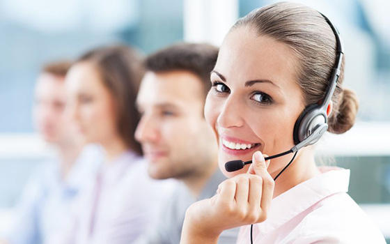 woman doing telemarketing in the usa